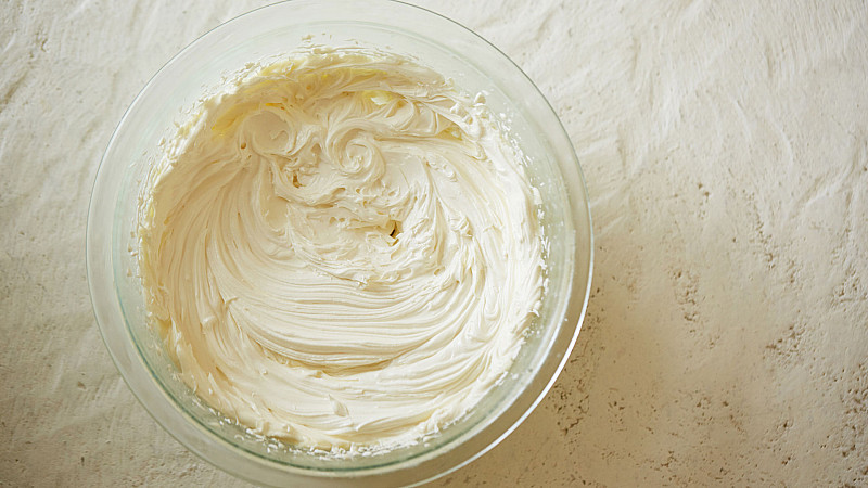 Alexandra Terry's natural recipe for Nourishing Whipped Body Butter 2 Foodadit