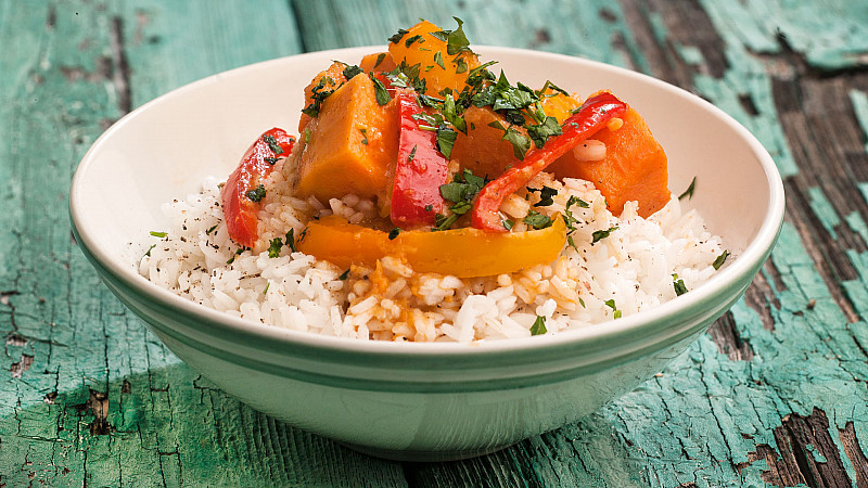Alison Beckner's delicious vegan, gluten free Sweet Potato and Pepper Curry recipe   Foodadit