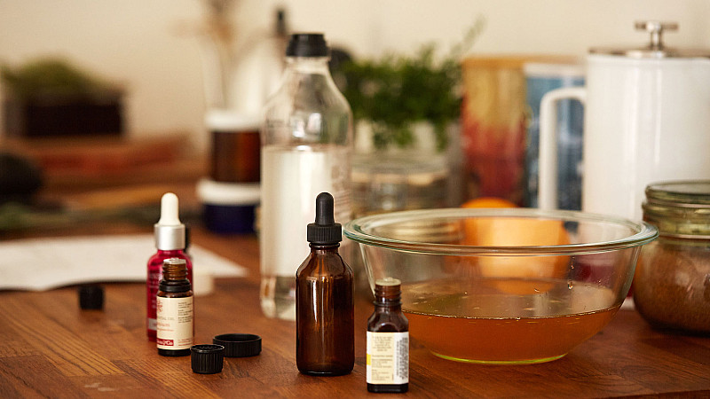 Ingredients for Caroline Wachsmuth's Heart Oil recipe Foodadit