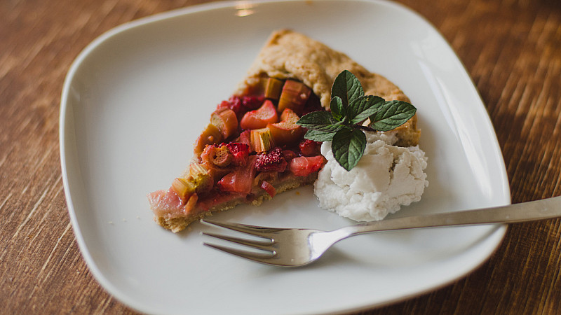 Isabella Paulsen prepared Fructopia's Rhubarb and Strawberry Galette recipe Foodadit
