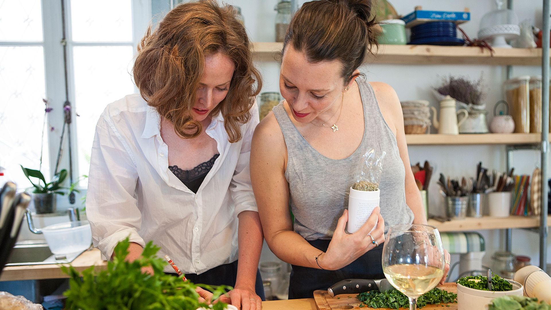Alanna-Lawley-from-Foodadit-and-Alison-Beckner-from-Scout-Consulting-with-herbs-and-spices-from-Daphnis-and-Chloe