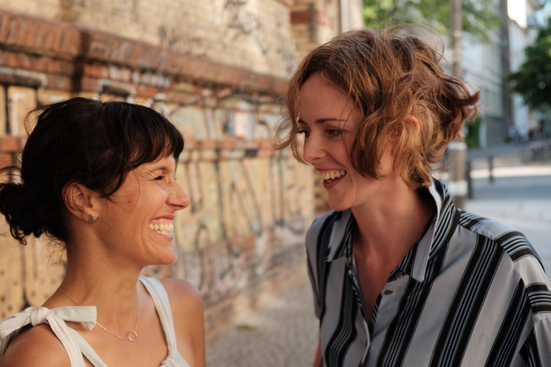 Carlin Greenstein and Alanna Lawley together for their Berlin Guide on Foodadit and Inside Out Paris