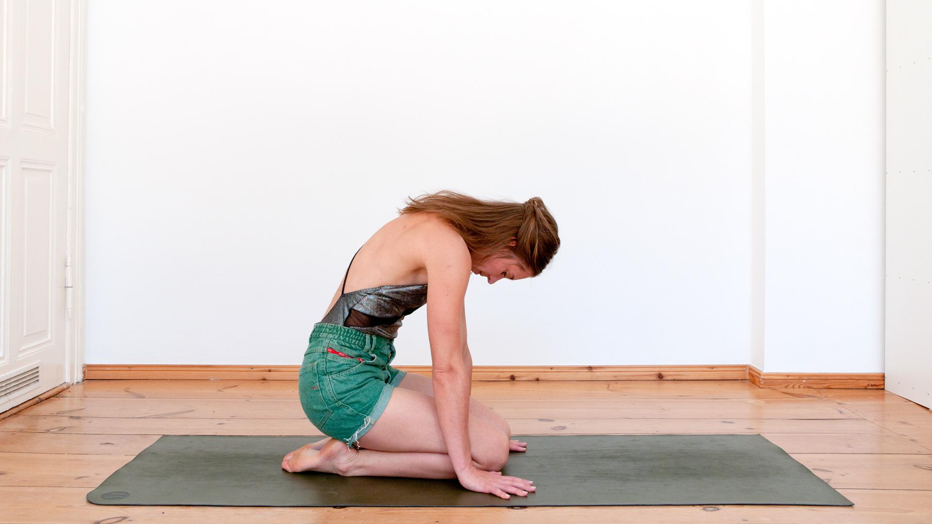 Eva Kaczor shares Breath Exercise from Kundalini Yoga with Foodadit