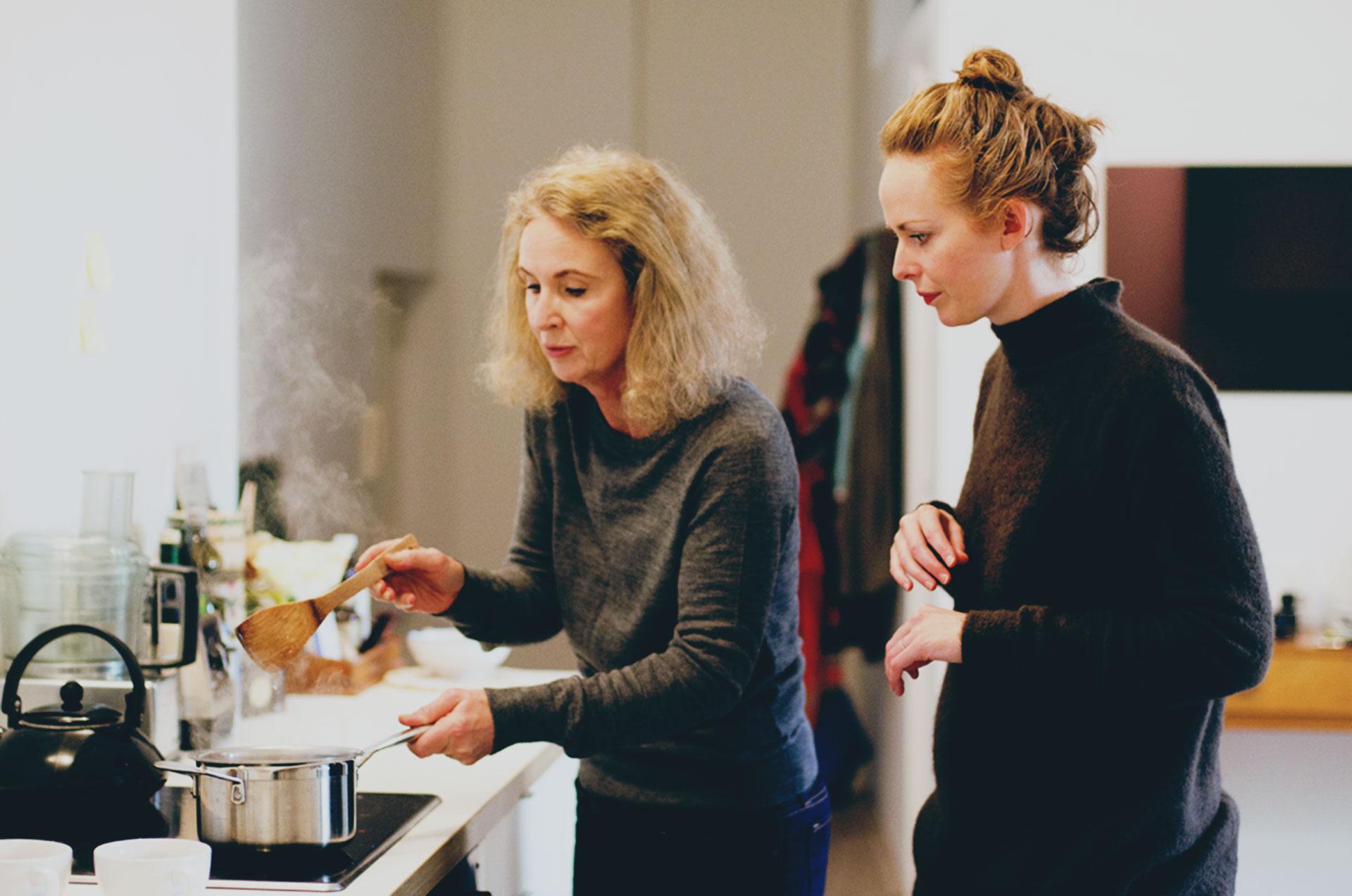 Foodadit-recipe-Alanna-Lawley-Sally-Ross-Clark-kuzu-Berlin-stirring