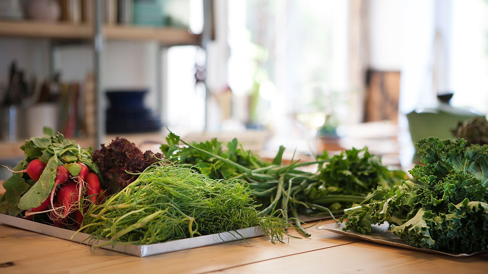 Fresh-ingredients-for-brunch-in-Greece-Foodadit