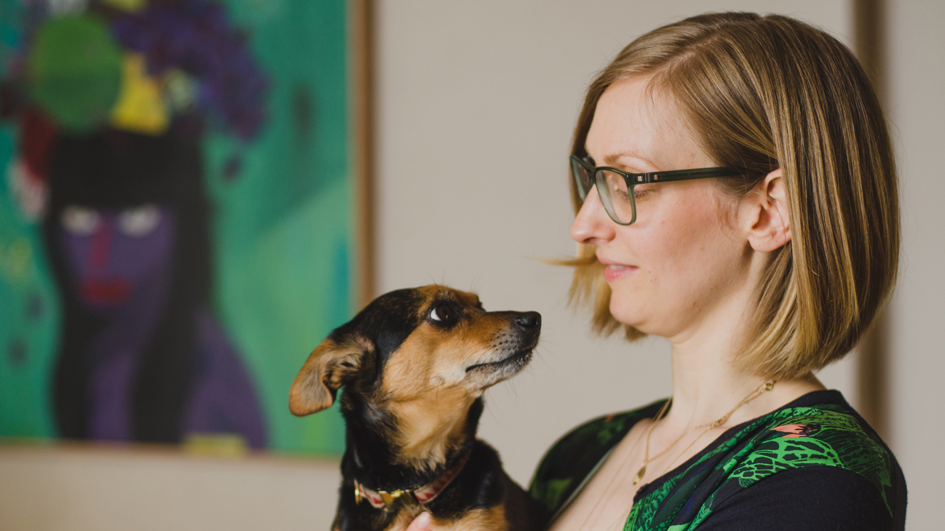 Isabella-Paulsen-and-her-dog