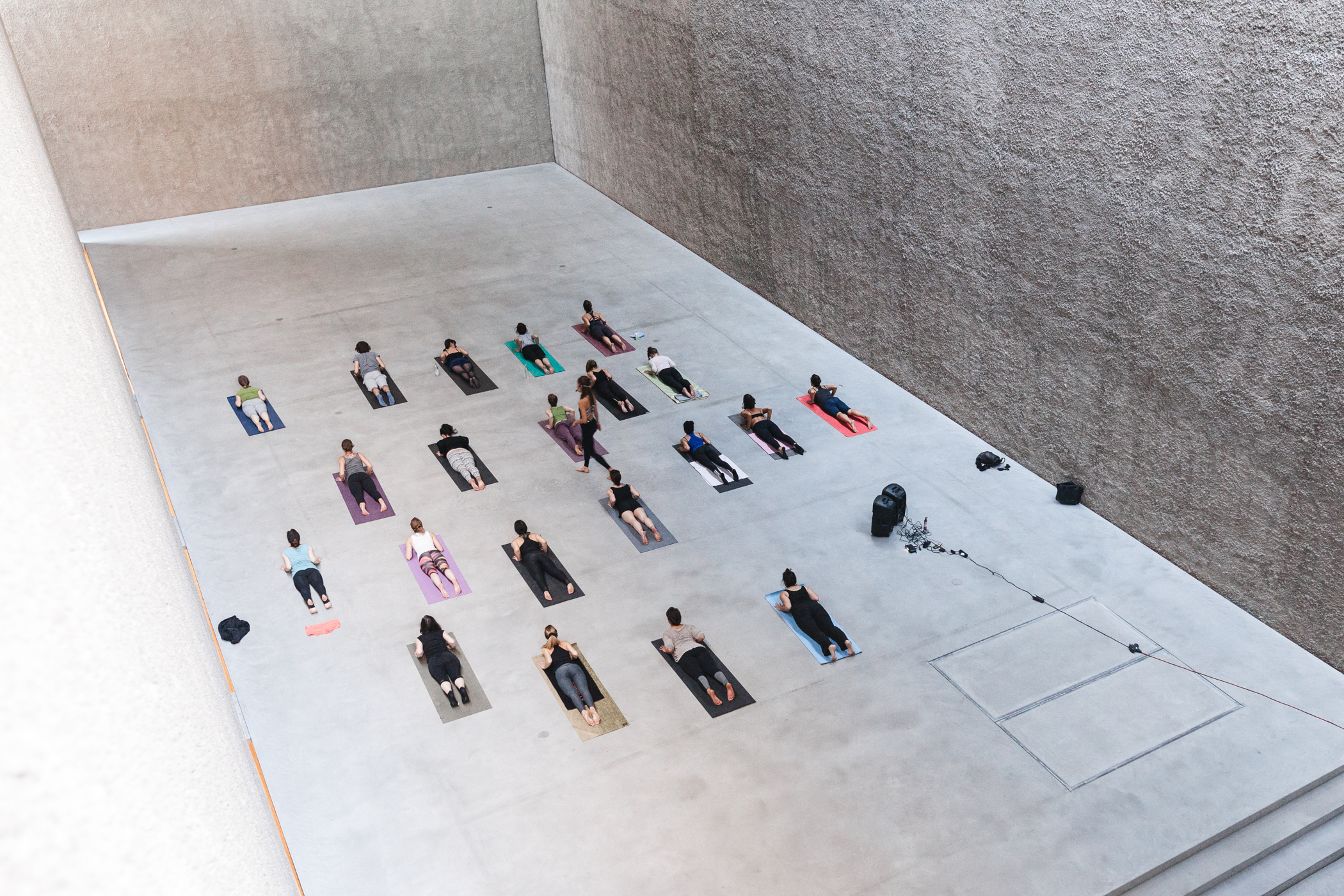 Yoga Meets Art at König Gallery, Berlin with Eva Kaczor