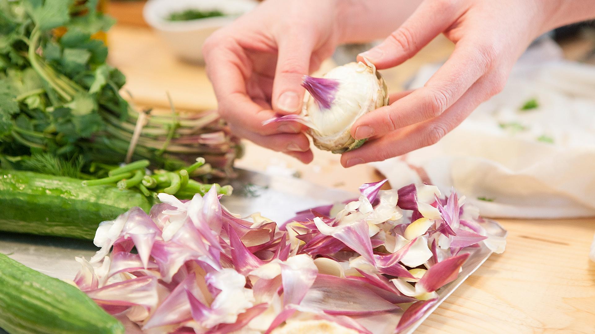Preparing-artichoke-hearts-in-Greece-Foodadit