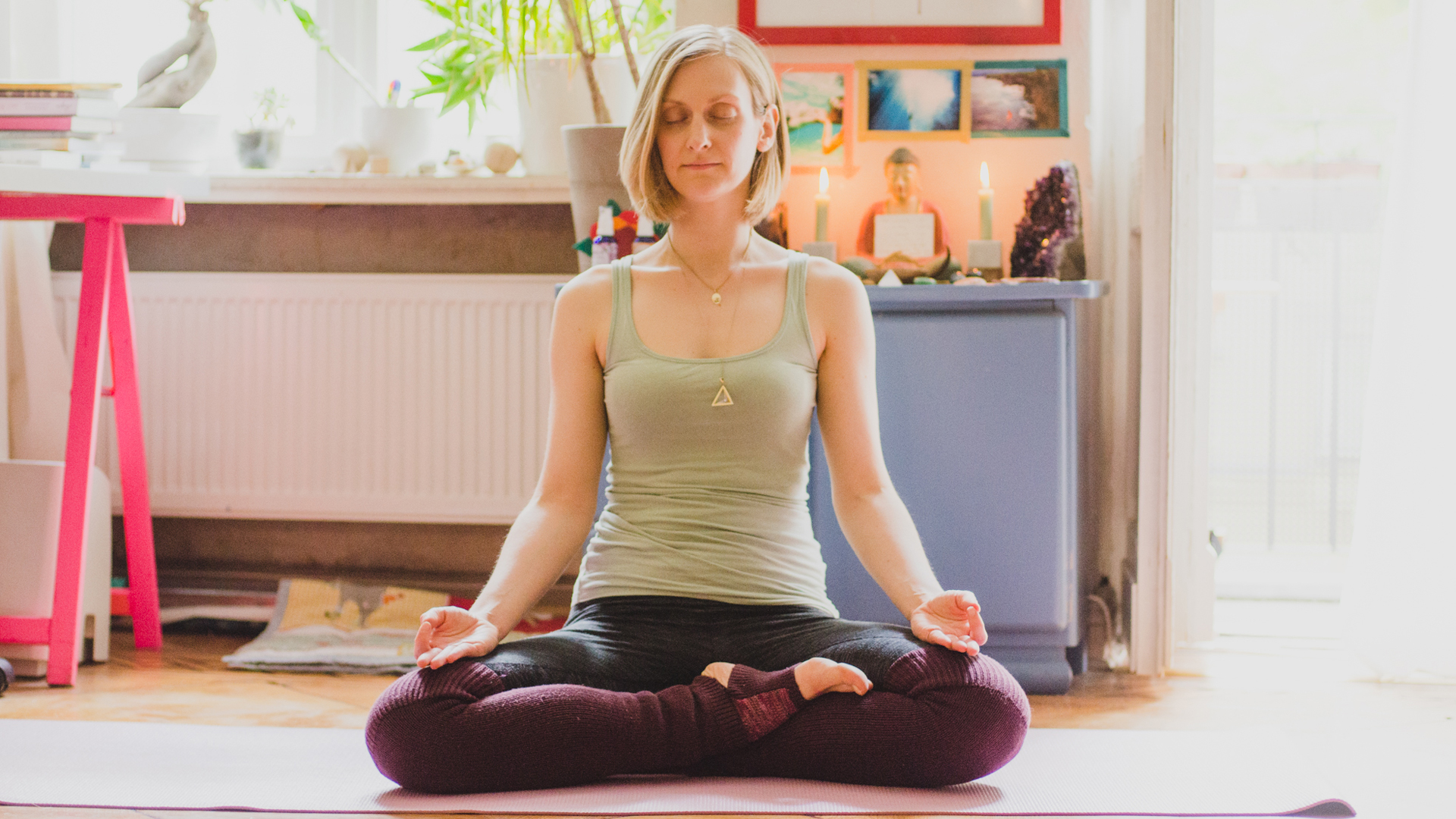 Yoga-Teacher-Isabella-Paulsen-talks-about-healing-leaky-gut-syndrome,-bone-broth-and-yoga.